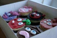 betsycareless.co.uk - Moshi Monster Cupcakes