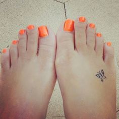 - Mini Tatuajes de Mariposas
