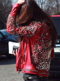 Balmain red leather safety pin jacket ||||| estilopravida.wordpress.com
