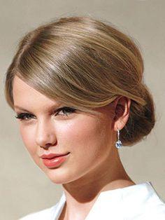 Classic chignon... Taylor Swift