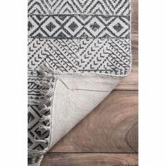 Mistana™ Lillian Geometric Handmade Flatweave Light Gray Area Rug & Reviews | Wayfair Wrought Iron Chandeliers, Rugs Usa, Knitted Throws, Weathered Wood, Grey Rugs, Online Home Decor Stores, Printed Cotton, Runes, Rug Size