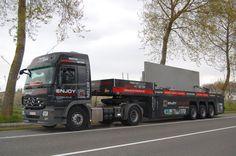 Der Faymonville PrefaMAX ist ein Innenlader für den Transport von Beton-Fertigteilen.