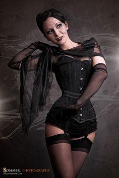 Model: Heidis GraetchenPhoto: Sommer Photography