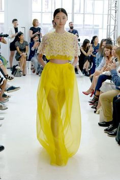 Delpozo presented what we believe may be the most beautiful show of New York Fashion Week. Haute Couture Style, Couture Mode, Couture Fashion, Runway Fashion, High Fashion, Fashion Show, Fashion Looks, Womens Fashion, Fashion Design