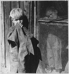 Cotton pickers camp, Depression era, photo by Dorothea Lange.