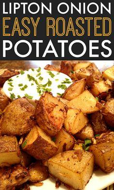 Lipton Onion Oven Roasted Potatoes An easy side dish recipe for oven roasted potatoes seasoned with Lipton onion soup mix.An easy side dish recipe for oven roasted potatoes seasoned with Lipton onion soup mix. Easy Potato Recipes, Healthy Recipes, Side Dish Recipes, Vegetable Recipes, Cooking Recipes, Recipes With Potatoes, Russet Potato Recipes, Roasted Potato Recipes, Scalloped Potato Recipes