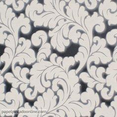 Papel Pintado Flock 4 95688-2, papel de fondo negro metalizado con dibujo floral, grandes hojas muy trabajadas repitiéndose a lo largo de todo el papel en tono beige con el margen alrededor de las hojas en gris.  En este papel se puede apreciar la distinta textura entre el fondo y el dibujo de las hojas, ya que estas sobresalen del diseño gracias a su textura granulada.