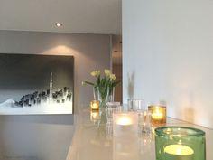 Kevät värit - Black + White = Grey | Lily.fi Iittala Kivi / Iittala Aalto / Ikea Bestå / Tokyo painting