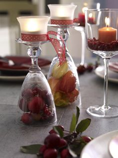 Herbstliche Tischdekoration: September auf der Tafel with a difference : Fill out the champagne glass with berries and turn it upside down . The foot is the stage for a tea light . Fall Candles, Diy Candles, Fall Table Settings, Setting Table, Autumn Table, Diy Candle Holders, Christmas Brunch, Christmas Decorations, Table Decorations