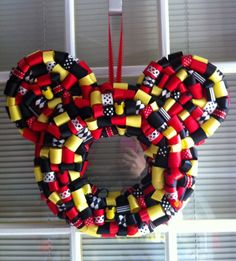 Mickey Mouse Ribbon Wreath por KKsHandmadeWreaths en Etsy