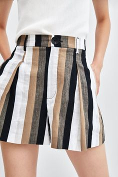 Striped bermuda shorts in 2020 Girls Fashion Clothes, Fashion Dresses, Clothes For Women, Shorts Outfits Women, Short Outfits, Rompers Women, Jumpsuits For Women, Classy Outfits, Stylish Outfits
