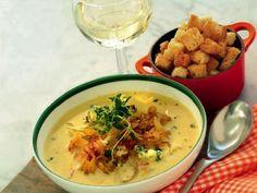 Ädel löksoppa med crostini Receptbild - Allt om Mat