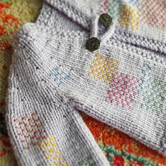 Ravelry: Project Gallery for Five-Hour Baby Jacket (Franklin Variation) pattern by Franklin Habit Vogue Knitting, Knitting Blogs, Baby Knitting, Charity Knitting, Knitted Baby, Crochet Unicorn Pattern Free, Easy Crochet Patterns, Crochet Baby Jacket, Baby Girl Crochet