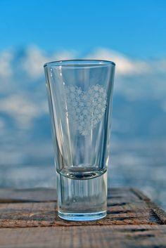 Verrine, tasse à expresso ou verre à liqueur Création : A. Passaquin. Crédit Photo : JP.Noisillier/nuts.fr