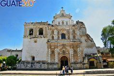 Fachada de la iglesia La Iglesia de San Francisco El Grande es una de las más hermosas y con mayor tradición de la Antigua Guatemala en Sacatepéquez. Es en esta iglesia que se encuentran los restos del Santo Hermano Pedro de San José de Betancourt.