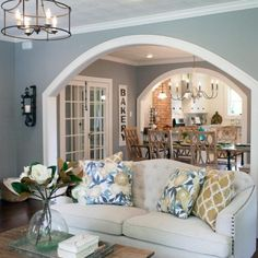 Do you love this room from #fixerupper? It's one of my favorite living room makeovers and I've sourced copycat items to get a similar look…