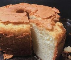 Simple Old Fashioned Southern Pound CakeYou can find Pound cake recipes and more on our website.Simple Old Fashioned Southern Pound Cake Cakes To Make, How To Make Cake, Food Cakes, Cupcake Cakes, Bundt Cakes, Old Fashioned Pound Cake, Old Fashioned Butter Pound Cake Recipe, Old Fashioned Recipes, Southern Pound Cake
