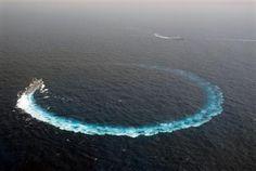 USS Cowpens CG-63 doing a circle