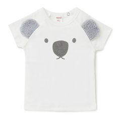 100% Cotton 1x1 rib Tee. Short sleeve t-shirt with raglan style sleeve. Features koala face placement print on front with novelty applique sherpa ears. Regular fitting silhouette with snaps at baby