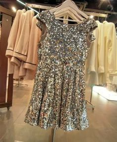 How to Chic: SEQUIN DRESS