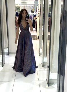 Stunning Prom Dresses, Pretty Prom Dresses, Ball Dresses, Elegant Dresses, Homecoming Dresses, Ball Gowns, Sparkly Prom Dresses, Fitted Dresses, Bridesmaid Dresses