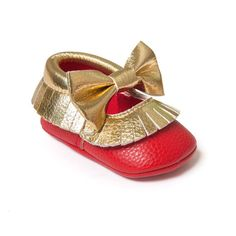 Baby Girls Mary Jane Flower Baby Shoes PU Leather Baby Moccasins Gold Bow Girls First Walker Toddler Moccs Toddler Moccasins, Baby Moccasins, Girls Dress Shoes, Baby Girl Shoes, Baby Girls, Grands Arcs, Walker Shoes, Baby Shoe Sizes, Flower Shoes