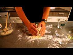 SARIE-kosredakteur Herman Lensing maak basiese brooddeeg / A step by step guide to basic bread dough Cooking Videos, Food Videos, Pizza Recipes, Bread Recipes, South African Recipes, Ethnic Recipes, Bread Kitchen, Dough Recipe, Something Sweet
