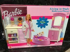Mattel Barbie Fashion Living in Style Bathroom Playset Bathtub Sink Access Vtg Barbie Doll Set, Barbie 2000, Baby Barbie, Mattel Dolls, Beautiful Barbie Dolls, Vintage Barbie Dolls, Mattel Barbie, Doll Toys, Baby Dolls