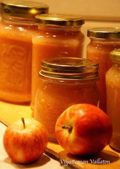 Viljattoman Vallaton: Omenahillo Mason Jars, Good Food, Mugs, Tableware, Desserts, Autumn, Tailgate Desserts, Dinnerware, Deserts