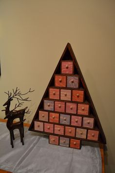 Advent calendar DIY: wooden tree, stain, paint & brushes needed.
