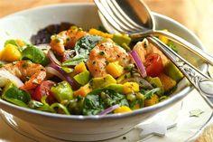 recetas navidenas ensalada de langostinos Mexican Food Recipes, Healthy Recipes, Ethnic Recipes, Healthy Food, Xmas Food, Empanadas, Fruit Salad, Pasta Salad, Potato Salad