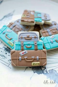 Another fabulous set of stacked suitcase travel sugar cookies.