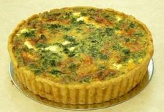 Feta, Onion, Spinach and Pepper Quiche recipe: A tangy, fresh and healthy quiche. Ideal served with salad and cold new potatoes. Perfect for vegetarians. Quiche Recipes, Pastry Recipes, Healthy Quiche, Diet Recipes, Vegan Recipes, Spinach Quiche, Shortcrust Pastry, Plant Based Diet, Feta