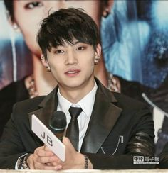[PIC] 150119 #GOT7 - Press Conference 2015 Asia Tour Showcase in Taiwan #JB cr:http://www.chinatimes.com/photo-app/20150119003842-260806 … -14-