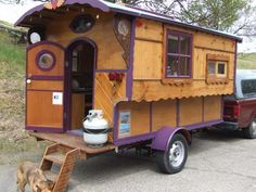 Love the detailing on these gypsy wagons. #camping #wagon