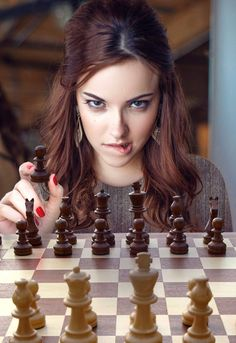 Sign in to your Chess Club Live site and meet new people! Chess Quotes, Elizabeth Marxs, Kings Game, Lip Biting, Chess Players, Jolie Photo, Chess Pieces, Artistic Photography, Beauty Women