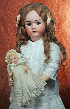 BEAUTIFUL LARGE GERMAN BISQUE CHILD BY HANDWERCK : Lot 1