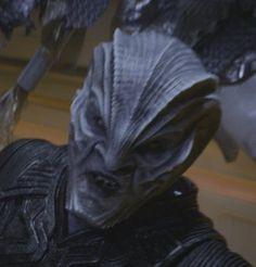 O primeiro trailer de Star Trek Beyondserá exibido (nos EUA, pelo menos) a partir do dia 18 de dezembro antes das sessões de Star Wars: O Despertar da Força, e o site Trek Brasilis divulgou imagen...