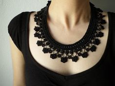 Collar de encaje de cuello negro con por irregularexpressions