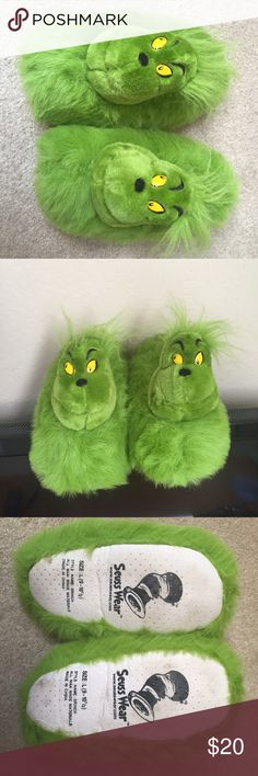 The Grinch Slippers just in time for xmas Very good condition fun Slippers shoes great Christmas gift ‼️ Seuss wear Shoes Slippers