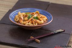 Fãs de pratos de massa está na hora de saborear uma super massada de camarão ;)