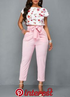 Flower Print White Top and Pink Belted Pants Casual Work Outfits, Classy Outfits, Chic Outfits, Trendy Outfits, Fashion Pants, Fashion Outfits, Womens Fashion, Fashion Jumpsuits, Fashion Beauty