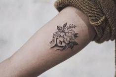 New Works by Jasper Andres, Inspired by Geometric Tattoos – Artistic B … - diy tattoo images Mini Tattoos, Body Art Tattoos, New Tattoos, Small Tattoos, Sleeve Tattoos, Cool Tattoos, Tatoos, Flower Tattoos, Diy Tattoo