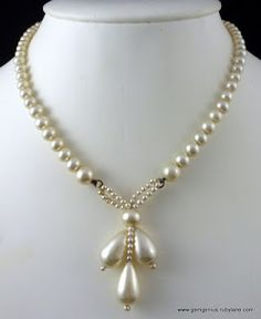 Fashion and Beauty Blog: Designer Planet: How to wear pearls modern way Pearl Necklaces, Cultured Pearl Necklace, Girls Necklaces, Pearl Beads, Pearl Jewelry, Jewelery, Jewelry Necklaces, Gold Jewelry, Bracelets