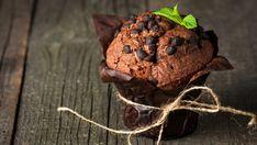 Ces muffins aux bananes et au chocolat sont un véritable délice à servir comme dessert tellement ils sont décadents!