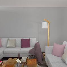 Ambiance chic sur vos murs avec cette teinte plume. A la fois douce et moderne, cette peinture apportera raffinement et élégance dans votre intérieur. Habillez vos murs d'un voile de douceur pour une décoration enveloppante et minimaliste.   Une palette de tons en camaïeu de blancs duveteux, de gris chaleureux et de tons corail et poudrés emplissent la pièce d'ondes de bien-être.  Si les motifs se font discrets (rayures, imprimés ton sur ton, rosaces et feuillages épurés), c'est pour mettre…