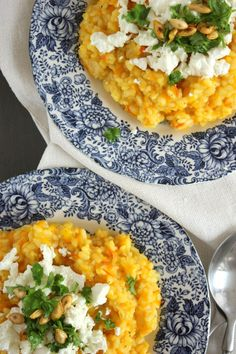 Pumpkin risotto with feta cheese, parsley and pumpkin seeds - Pumpkin risotto with feta cheese, parsley and pumpkin seeds - Veggie Recipes, Fall Recipes, Vegetarian Recipes, Healthy Recipes, Healthy Cooking, Healthy Eating, Cooking Recipes, Couscous, Pumpkin Risotto