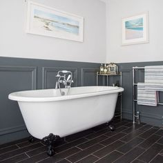 Create a traditional bathroom scheme with plenty of modern appeal, with grey wall panelling, a claw-foot bath, plus nearly black floor tiles Gray Bathroom Walls, Bathroom Paneling, Bathroom Wall Panels, Grey Bathrooms, Small Bathroom, Master Bathroom, Wall Panelling, Living Room Panelling, Bathroom Basin