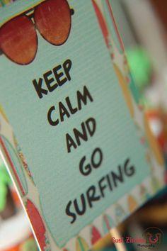 surfing party - Mamães, decoração para festa infantil no tema surfe! Mais fotos dessa festa linda aqui: http://mamaepratica.com.br/2014/09/26/festa-infantil-no-tema-surfe-aloha/ Fotos: https://www.facebook.com/Fotografiaderecemnascido  #festade1ano #festademenino #decoraçãoinfantil #festainfantil #surfe #aloha #festade1ano #baby #bebê
