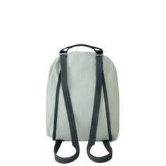 Lightweight with a low footprint: Made almost entirely from plants instead of plastic. Our Bananatex®️ fabric forms the structure and backpack straps, while the super lightweight shell is made from GOTS-certified organic cotton and finished with a natural wax coating for water-resistance. All metal parts are made from lightweight aluminium, allowing them to be recycled completely. Leather Shoulder Bag, Leather Bag, Cotton Textile, Backpack Straps, Heron, Footprint, New Product, Biodegradable Products